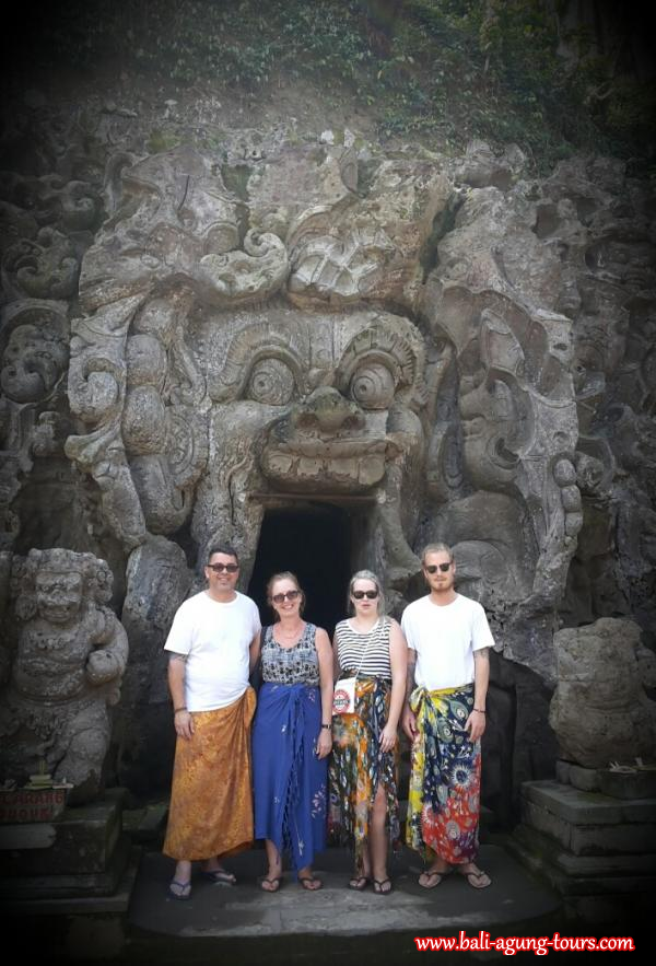 Elephant Cave Temple with Vanessa Sampson Family from OZ