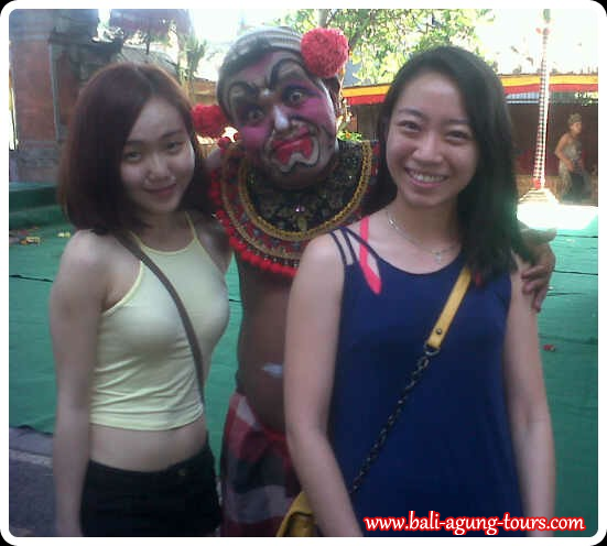 Bali dance memory with Mich and Mei from Malaysia